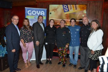 William Colón; Chef Carolina Luis; Bob Unanue, Presidente de Goya Foods, Inc.; Chef Ashley Morris; Chef Juancho Ortiz; Chef Fernando Desa; Chef Adolfo Perret; Chef Amalia Moreno.