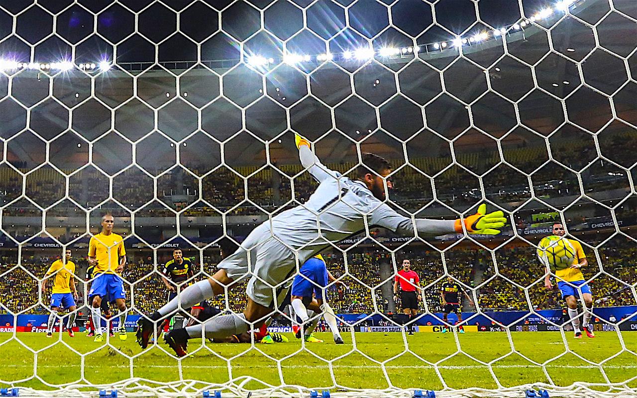 Brasil Brasil recupera el juego bonito y vence a Colombia