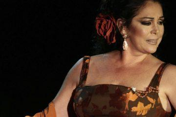 La muerte de Juan Gabriel fue un durísimo golpe para Isabel Pantoja (Hola TV)