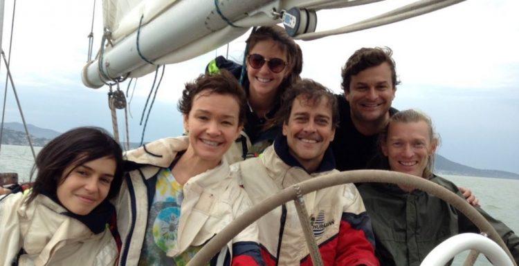 Una película basada en hechos reales protagonizados por una familia brasileña que recorrió el mundo navegando mundo con un velero (EFE)