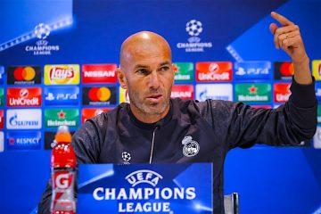 El entrenador del Real Madrid, el francés Zinedine Zidane, durante la rueda de prensa posterior al entrenamiento que el equipo ha realizado hoy en Valdebebas, de cara al primer partido de la fase de grupos de la Liga de Campeones ante el Sporting de Lisboa, que se disputará mañana en el Santiago Bernabéu. EFE/Emilio Naranjo