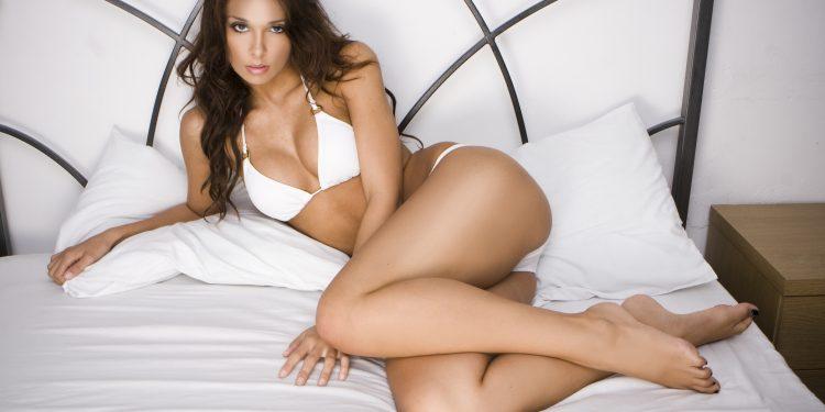 chica-en-bikini-1-750x375 Mindy, sexy y seductora