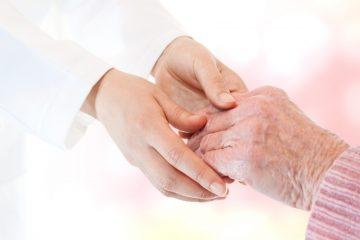 Su hijo Michel (82 años), que vivía con ella, explicó al diario que después de darle de comer durmió una siesta y fue entonces cuando falleció Élisabeth Collot