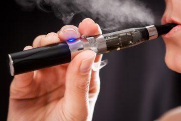 El Gobierno exigirá a los fabricantes o importadores de cigarrillos electrónicos que elaboren un resumen de los estudios sobre el efecto en la salud que tienen estos productos para informar al consumidor.  (Dreamstime)