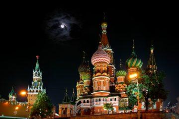 Rusia en la noche.
