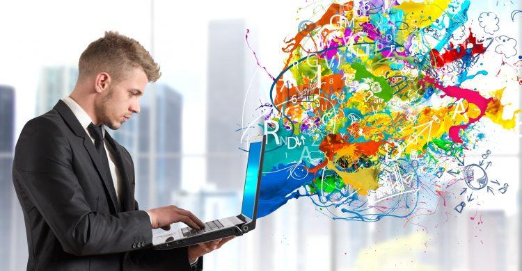 Entre las diferentes obras que se exponen a partir de hoy en el centro de arte bruselense muchos de sus autores han utilizado la tecnología como un puente para canalizar su compromiso social y llevar a cabo creaciones digitales que puedan mejorar la vida de la gente. (Dreamstime)