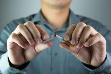 """Según contó a Efe Lespada, su objetivo es invertir dicha suma, que puede ascender a 300.000 pesos (19.500 dólares) por los """"intereses"""" de llevar cinco décadas fumando, en un tratamiento médico """"para poder terminar con este flagelo tan grande que es la nicotina"""". (Dreamstime)"""