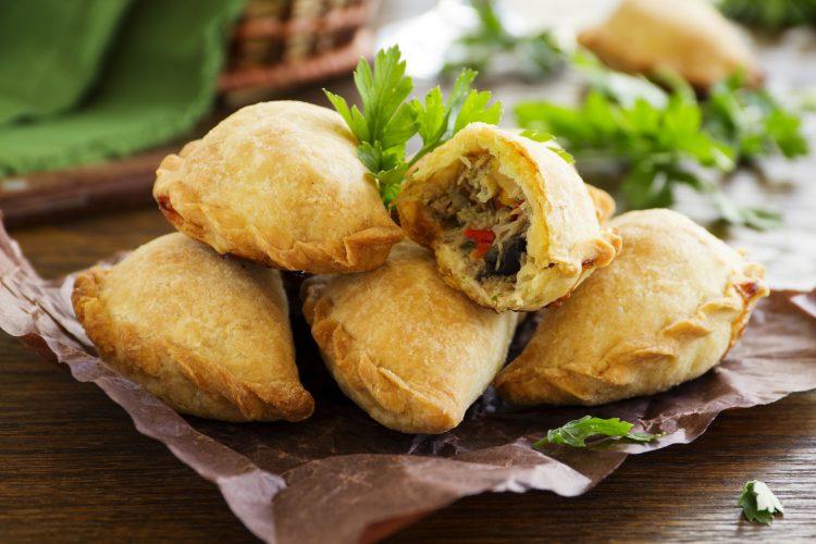 Te enseñamos el paso a paso de cómo preparar unas de las más famosas empanadas del mundo. (Dreamstime)