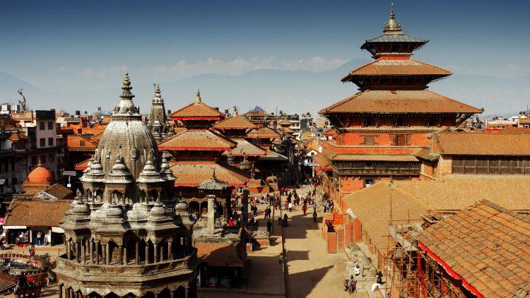 El Gobierno nepalí culpó entonces a Nueva Delhi del bloqueo, promovido por grupos de la minoría étnica madhesi residentes en el sur de Nepal, considerados históricamente cercanos a la India, en protesta por la nueva Constitución del país del Himalaya. (Dreamstime)