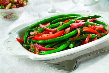 Los ejotes tienen altos niveles de carotenoides y el aceite de canola ayuda a mantener el contenido de grasa saturada del plato a un mínimo. (Canolainfo.org)