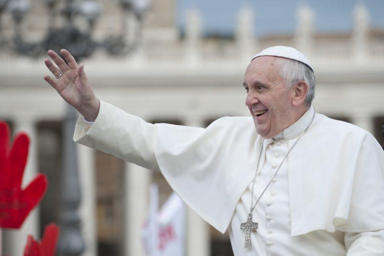 """""""Es una buena noticia saber que los cristianos se unen para dar vida a procesos comunitarios y sociales de interés común"""", dijo el papa ante cerca 10.000 personas. (Dreamstime)"""