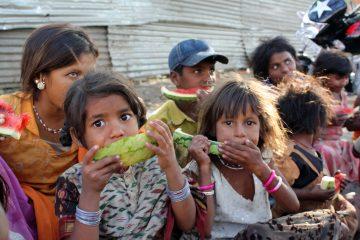 El equipo visitó hospitales y centros de salud y observó muchos casos de niños desnutridos que llegaban de áreas remotas. (Dreamstime)