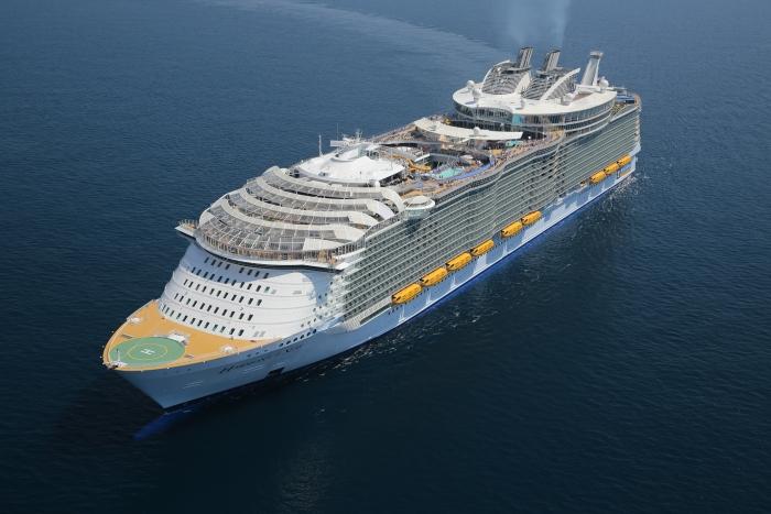 El barco tiene 7 zonas o vecindarios para ti, 20 restaurantes y trabajan 2,394 personas dispuestas a atenderte feliz.  (Cortesía)