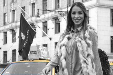 La destacad Locutora venezolana, es amante del mar, deportes extremos, fotógrafa y surfista por hobbies(SBS RADIO GROUP< LA MEGA)