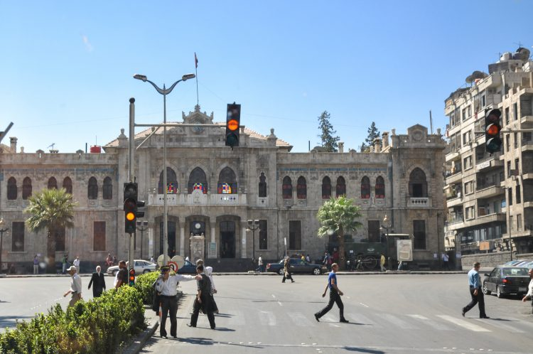 """La fuente indicó que ataques similares se registraron en los barrios de Al Sheij Saad y Al Meze 86, que fueron objetivo de los disparos de """"terroristas"""" apostados en Duma, la mayor ciudad de la región de Guta Oriental, el principal bastión opositor de las afueras damascenas.  (Dreamstime)"""