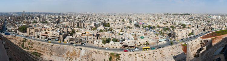 La fuente, cuya organización presta labores de rescate en zonas fuera del control del Gobierno, precisó que al menos quince personas, entre ellas menores, perdieron la vida por un ataque aéreo contra la localidad de Kafr Naha. (Dreamstime)