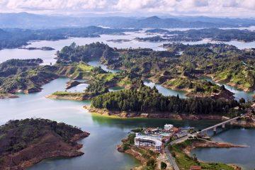 El Caquetá es un departamento de 88.965 kilómetros cuadrados, una superficie un poco mayor que Austria, que desde el aire impresiona por el verde de sus sabanas, selvas y montañas, y por los numerosos ríos que bañan su territorio. (Dreamstime)