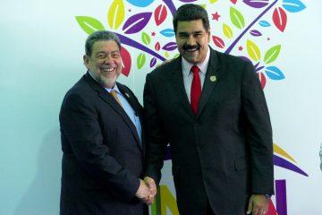 A Nicolás Maduro lo acompañan la canciller Delcy Rodríguez y el embajador de la nación suramericana ante Naciones Unidas, Rafael Ramírez. (Dreamstime)