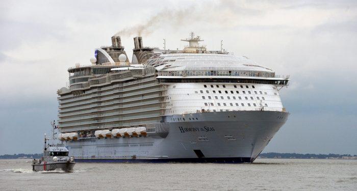 2.-Diversion-comida-y-más-para-grandes-y-chicos.-700x375 Harmony of the Seas, el barco más grande del mundo