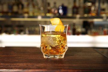 Fuerte, seco y con mucho carácter. Así es La Conquista, un cocktail a base de whisky buchanan's y vermú dulce.  (Cortesía Buchanan's)