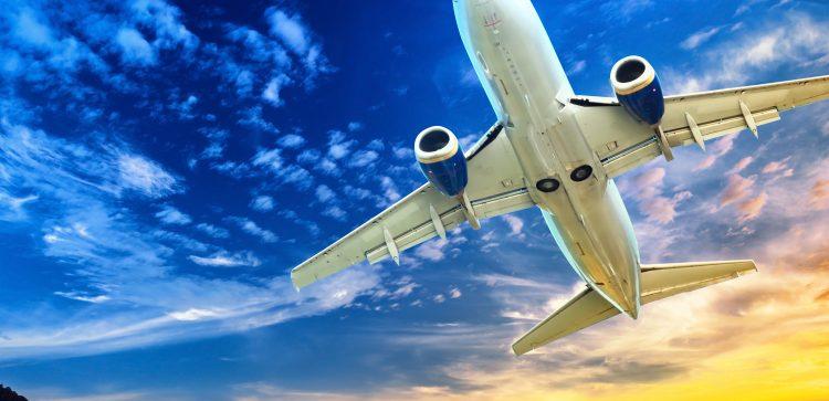 """El próximo año, la industria global de aerolíneas afronta unas """"condiciones más difíciles"""" por la subida del precio del petróleo, admitió el consejero delegado de la IATA, Alexandre de Juniac. (Dreamstime)"""