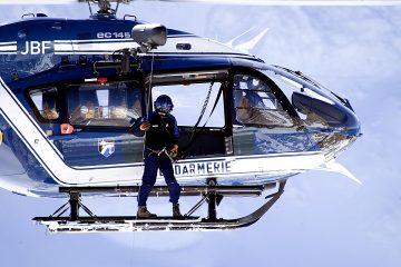 El helicóptero no formaba parte de los que están ayudando en las tareas de búsqueda de los desaparecidos bajo el hotel sepultado por un alud el pasado miércoles. (Dreamstime)