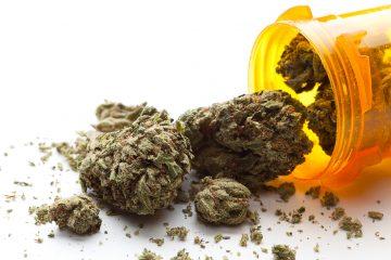 La marihuana que se le ha prescrito al menor viene envasada como aceite bajo en contenido de tetrahidrocannabinol (THC) y, según la madre, se le administra en gotas, tres veces al día. (Dreamstime)