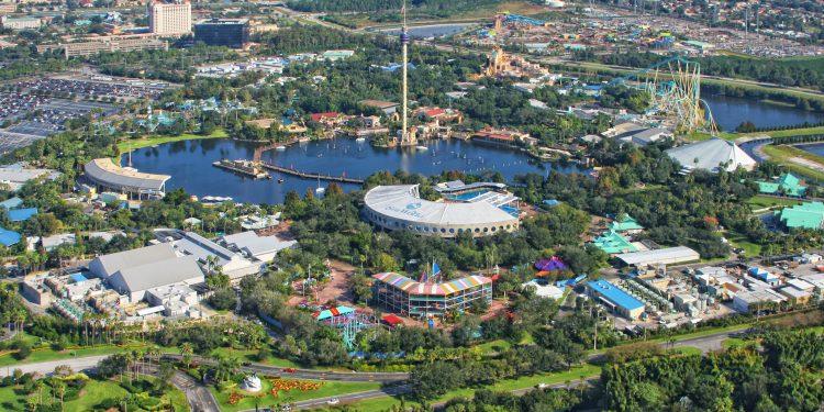 """""""Electric Eel"""", que según reveló la empresa se abrirá al público en 2018, será la atracción más grande y más rápida de los parques SeaWorld"""
