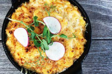 Rocia con queso parmesano y cocina a 375 grados por 20 minutos, o hasta que el queso se derrita y burbujee. (Cortesía passionforpasta.com)
