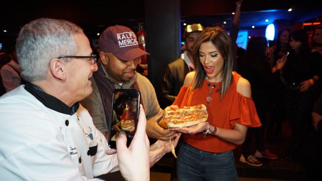 Host-DJ-Chef-2-1-1024x683 ¡Con gran éxito abre sus puertas Bowlero Queens!
