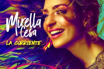 """Deja que te lleve La Corriente, es lo que nos exhorta hacer la cantautora Ecuatoriana, Mirella Cesa,  con su nuevo sencillo """"La Corriente"""" disponible HOY en todas las plataformas digitales.  """"La Corriente"""" fue compuesto por Mirella Cesa y DJ Daneon, quien también estuvo a cargo de la producción del tema. Con un sonido contagioso y un poco de picardía Mirella Cesa experimenta con otros sonidos, una evolución de su música pero siempre manteniendo su esencia. El tema grabado en Miami fue inspirado por el deseo de seguir adelante e invita a despreocuparse y dejar que todo fluya.   De su nuevo sencillo, Mirella Cesa expresó: """"La Corriente es un tema motivador, un poco picante y divertido, la escribí junto a DJ Daneon, productor de este sencillo.  Por mi parte me inspiré en lo que a mí me motiva a seguir adelante, en cualquier aspecto de la vida, hay momentos donde la marea está baja y otros que está arriba, hay que saber descansar y disfrutar cada segundo, por que todo guarda algo hermoso, hasta lo más difícil de comprender, me siendo feliz de tener la oportunidad de respirar, de hacer lo que amo y compartirlo, ánimo a todos los que escuchen este tema a que se dejen llevar por la corriente.""""  La Reina del Andipop se encuentra grabando el video de """"La Corriente"""", el cual  promete mostrar un lado diferente de la artista. La cantautora cerró el 2016 con el himno de empoderamiento """"Somos"""" en el TOP 20 de las listas de radio. La artista logró acaparar la atención internacional con el tema """"A Besos"""" con la participación del cantautor puertorriqueño y ganador del Latin Grammy® Sie7e.  Mirella Cesa continúa trabajando su próximo disco y se prepara para una ardua gira de promoción en Ecuador, Colombia, Estados Unidos entre otros países Latino Americanos.       Deja que te lleve la Corriente Y que todo fluya lentamente la marea baja suavemente (Artist Solutions Press)"""