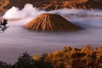 El Observatorio Volcanológico de Los Andes del Sur mantiene su monitoreo en la zona afectada a la espera de recolectar nuevos datos sobre a evolución de la actividad volcánica. (Dreamstime)
