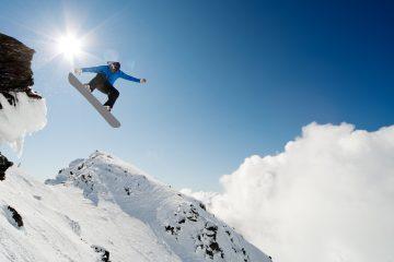 La Compañía Republicana de Seguridad (CRS) de Courchevel indicó que la avalancha se desencadenó en un sector en el que la nieve se apila y no se puede evacuar, (Dreamstime)