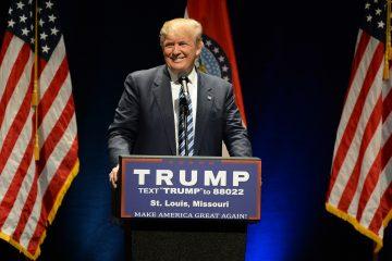 El Gobierno de Donald Trump estableció hoy las nuevas directrices para llevar a cabo las deportaciones de inmigrantes indocumentados en EE.UU., entre ellas acelerar el proceso legal, dar más capacidad a los agentes y eliminar las exenciones aplicadas previamente por la Administración de Barack Obama. (Dreamstime)