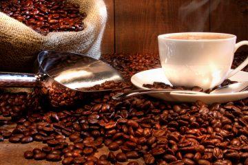 El proceso de fermentación de los granos de café afecta el color, olor, la densidad, la acidez entre otros, y su práctica controlada, aunada al lavado y secado del sustrato, da como resultado bebidas de café con aromas y sabores de buena calidad. (Dreamstime)