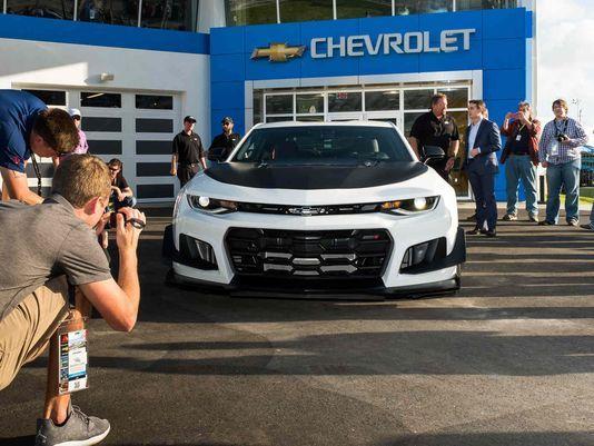 2018CamaroZL11LTReveal Chevrolet presentó en Daytona un Cámaro que quiere devorarse las pistas
