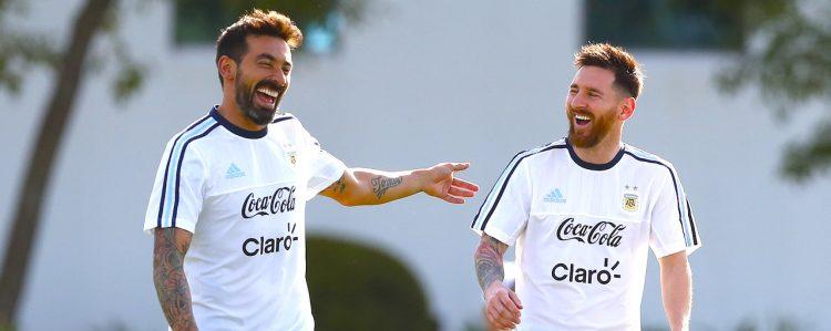 Argentina y Chile se miden en un duelo de titanes
