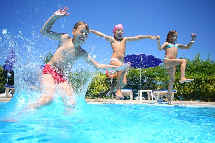 """El DCF insiste en la importancia de """"supervisar"""" en todo momento a los menores en las piscinas, ya que el ahogamiento """"puede suceder en cuestión de minutos"""". (Dreamstime)"""