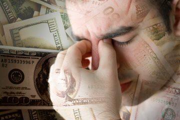 """El director del Consejo Nacional de Comercio de la Casa Blanca, Peter Navarro, advirtió este lunes de que el elevado déficit comercial de EE.UU. es un """"riesgo para la seguridad nacional"""" y prometió luchar contra """"la masiva migración de empresas al extranjero"""". (Dreamstime)"""