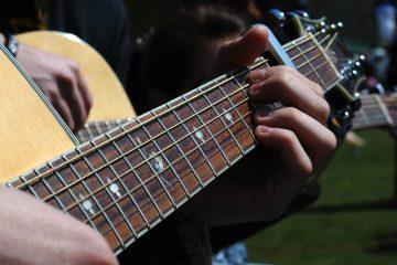 """El festival será clausurado el sábado con el espectáculo """"Noche de guitarras del mundo"""", que reunirá a todos los participantes y tendrá como invitado especial al grupo Veritas Guitar Quintet, quinteto oficial de guitarras de la Universidad San Martín de Porres, de Lima (Dreamstime)"""