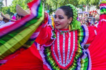 Argentina estará representada por la intérprete mapuche Anahi Rayen Mariluan, mientras que por parte de Bolivia participará el charanguista Alfredo Coca. (DReamstime)