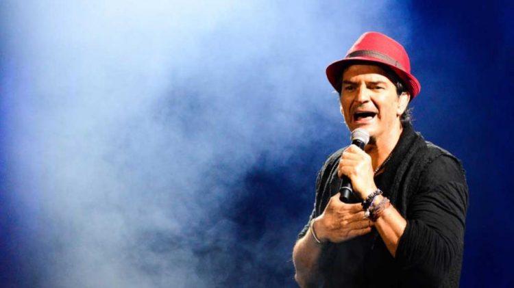 A lo largo de una exitosa carrera musical que se expande más de 30 años, el galardonado cantautor ha vendido más de 40 millones de álbumes, logrando su vigésimo registro en la lista Billboard Top Latin Albums (Telemundo)