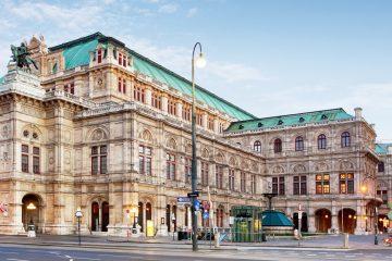 """Entre los estrenos destaca, por su contemporaneidad, """"Lulu"""", una pieza del austríaco Alban Berg que fue estrenada incompleta en 1929, cuando el autor ya había muerto, y que se presentará en Viena en la versión con tres actos completada por Friedrich Cerha en 1979. (Dreamstime)"""