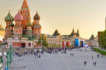 """Peskov destacó que esas elecciones """"son muy importantes para el continente europeo"""" y destacó que """"Rusia y Francia mantienen unas relaciones duraderas e históricas, además de ricas por sus tradiciones"""". (Dremstime)"""