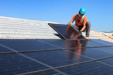 Se estima que la energía limpia generada en la planta reducirá el equivalente de emisiones de dióxido de carbono que producen más de 10.000 viviendas, lo que ayudará a brindar una energía sustentable para el futuro de Puerto Rico, detalló Rosselló. (Dreamstime)