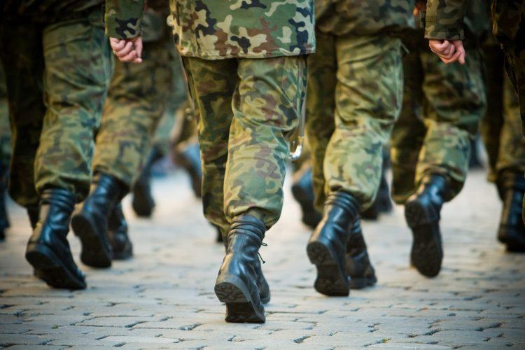 La misión se inició por la noche con fuerzas especiales estadounidenses en apoyo de fuerza afganas, que se infiltraron en una zona montañosa con presidencia del EI, del que se cree que quedan un millar de combatientes en Afganistán, tras un año perdiendo terreno. (Dreamstime)