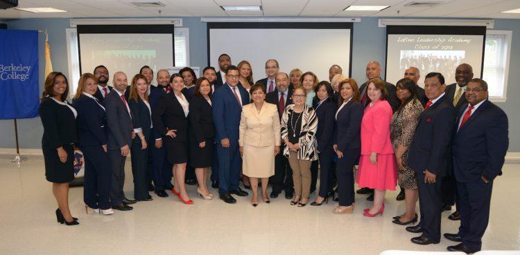 El equipo de líderes ganadores de la Academia de Liderazgo Latino 2017.