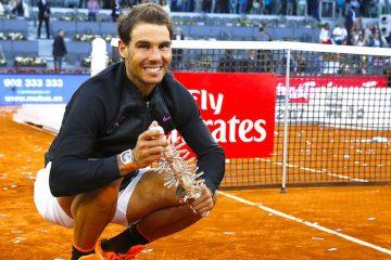 El tenista español Rafael Nadal tras vencer al austriaco Dominic Thiem, en la final del torneo Mutua Madrid Open que se disputo en la Caja Mágica, en Madrid. EFE/Sergio Barrenechea
