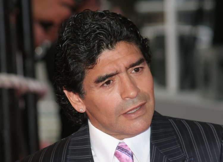 """Maradona confiesa el importante apoyo recibido de su familia en los momentos más difíciles de su vida, especialmente de su hija Dalma, a quien agradece su cercanía: """"Conseguí salir del coma gracias a mi hija"""", dice. (Dreamstime)"""