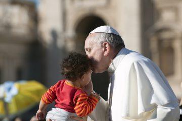 En la agenda del pontífice argentino, además, está incluida una oración en solitario en la capilla de la propia base, como también hizo Pablo VI al inicio de su peregrinación en Portugal, y donde dejará un regalo y firmará en el libro de honor. (Dreamstime)